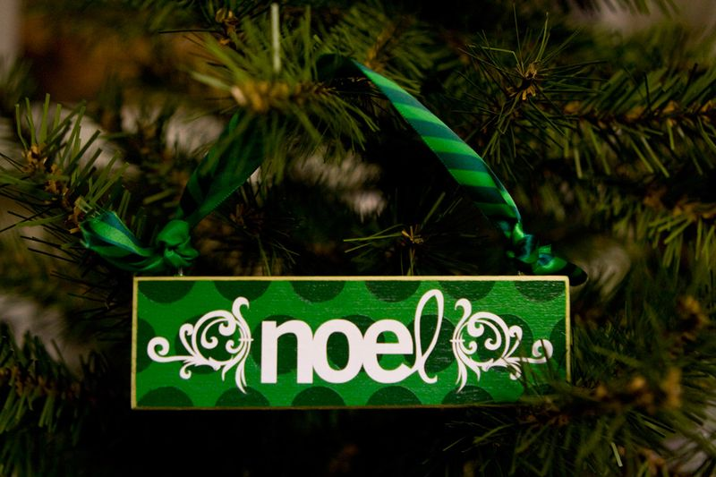 WoodOrnament_Noel